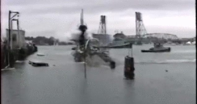 Watch This Nuclear Sub Blow Its Ballast While Still In Port