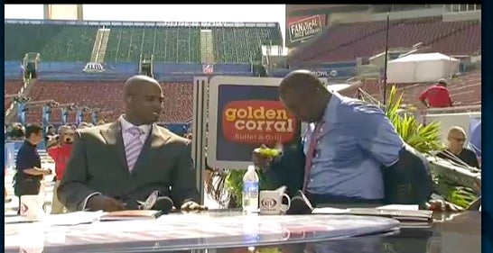 NFL Network Clearly Didn't Prepare For Marshall Faulk's Hyperhidrosis Problem