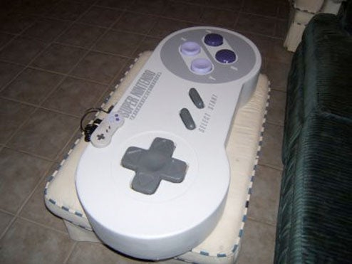 Four-Foot SNES Controller Actually Works (For Shaquille O'Neal)
