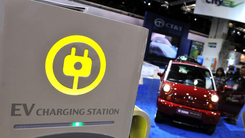 Is Public Electric Car Charging A Viable Thing?