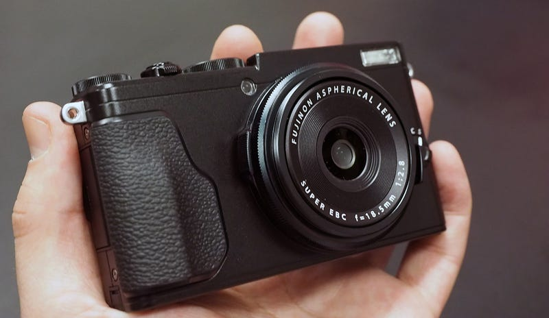 Fujifilm's X70 Is the Palm-Sized, Retro-Styled Camera We've Been Waiting For