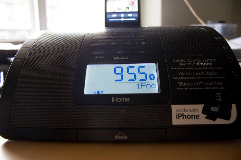 iHome iP47 iPhone Bluetooth Speakerphone Lightning Review