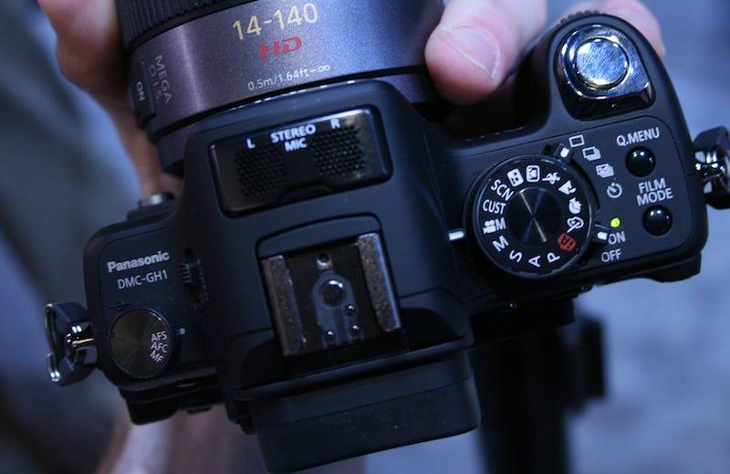 Hands On Panasonic Lumix GH1 1080p HD Video Shootin' Micro Four Thirds Camera