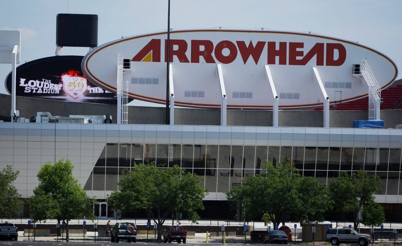 Fight In Arrowhead Stadium Parking Lot Leaves One Man Dead