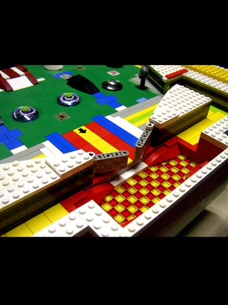how to make a pinball machine out of lego