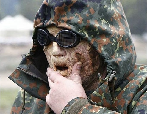 S.T.A.L.K.E.R. Cosplay Earns A Standing Ovation