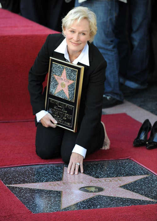 Newest Walk Of Fame Enshrinee Glenn Close Makes Out With Her Star