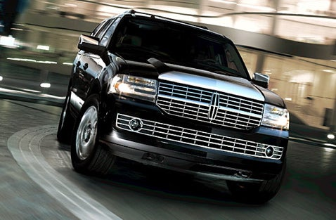 Rapper Common to Sell Out For 2008 Lincoln Navigator