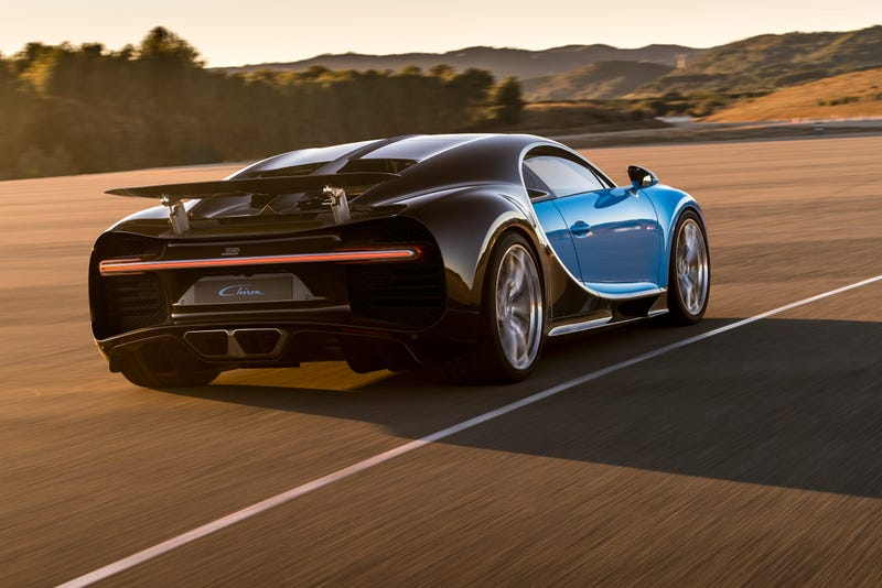 'Why The Bugatti Chiron Can't Match The Still-Great Veyron' from the web at 'http://i.kinja-img.com/gawker-media/image/upload/s--sqSlrptn--/c_scale,fl_progressive,q_80,w_800/zac4qwy0s2w8oc7ue7ih.jpg'