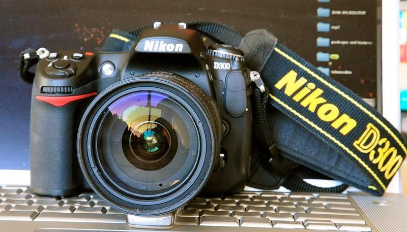 Nikon D300 DSLR Lightning Review