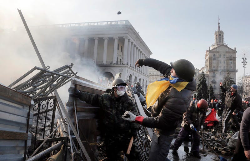 16 Gripping Images from Kiev's Day of Fire and Blood
