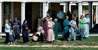 Authorities Take 400 More Kids From Polygamist Sect In Texas