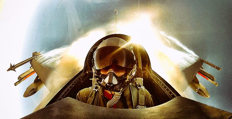 Photographer captures awesome halo projected behind his fighter jet