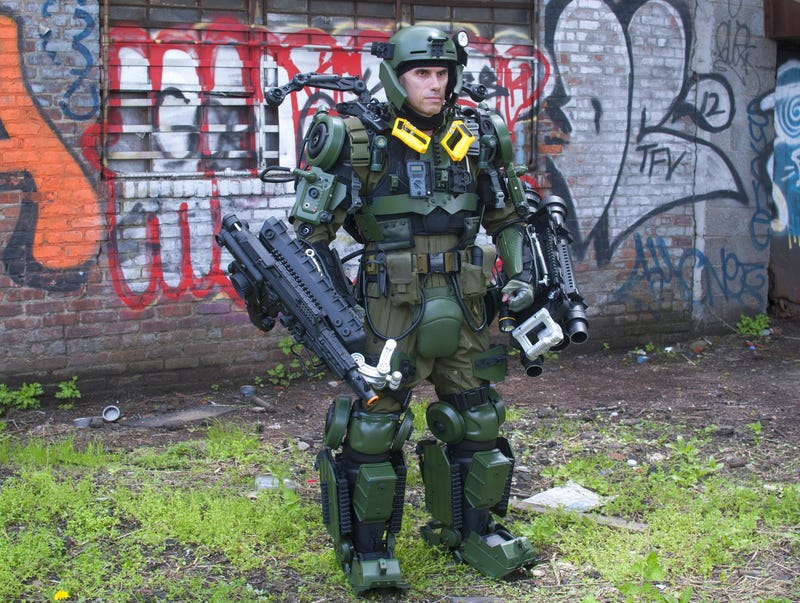 The World's Most Badass Tom Cruise Cosplay