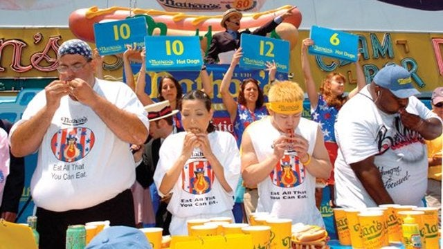 Do Competitive Eaters Have Unusual Stomachs?