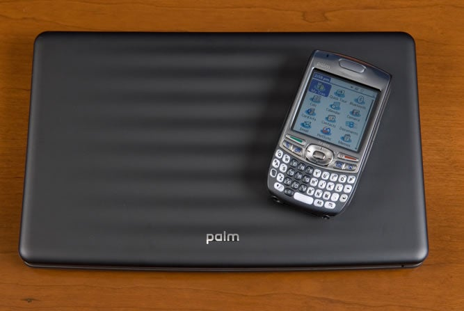 Palm Foleo: A Laptop For Your Smartphone