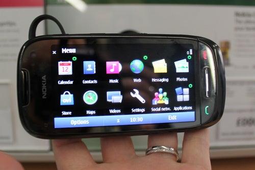 Nokia C7 Gallery