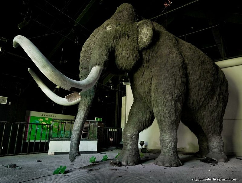 An abandoned Russian theme park (with a woolly mammoth) in Japan