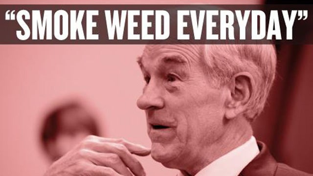 Snoop Dogg Endorses Ron Paul, Or at Least Posts a Facebook Photo of Him