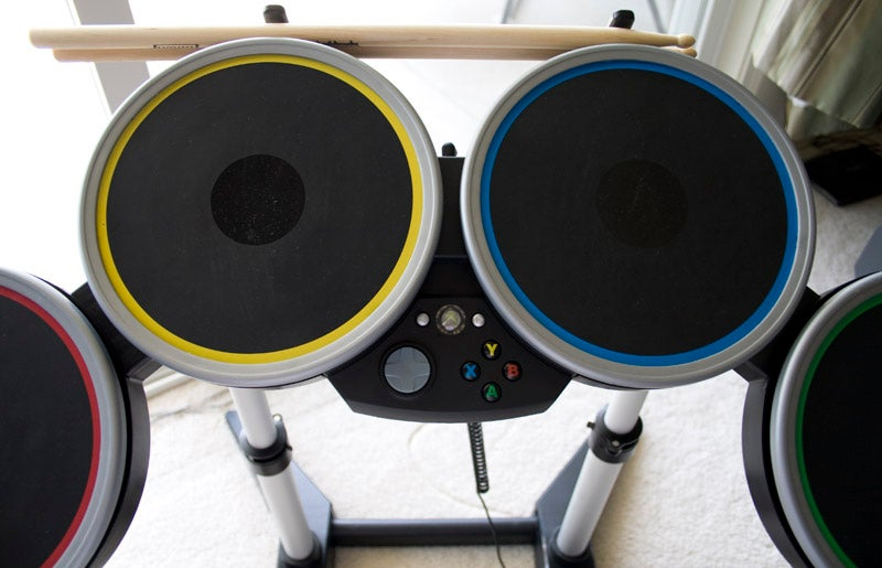 Rock Band 2 Wireless Guitar and Drums Hardware Review