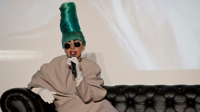 Lady Gaga's Declares 'I Am a Tramp' in New Song