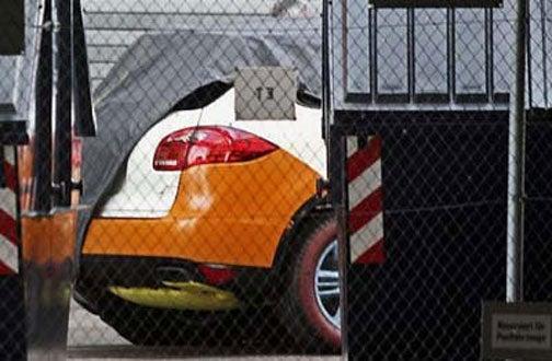 2011 Porsche Cayenne Gets Curvy
