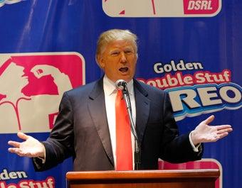 Trump Calls For Kanye Boycott; Kate Gosselin To Host Talk Show With Paula Deen