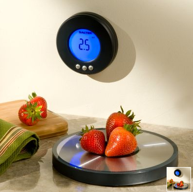 Wireless Scale Weighs Food, Acts As a Clock