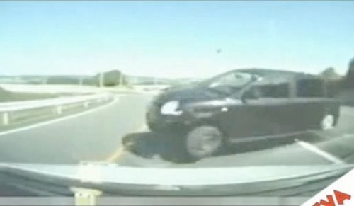 Head-On Crash Caught On Dash Cam