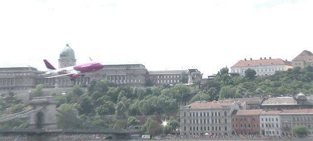 Here's An Airbus Doing A Low Pass Flyby In The Middle Of Budapest