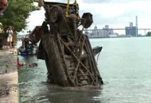 Fifteen Mysterious Cars Pulled From Detroit River