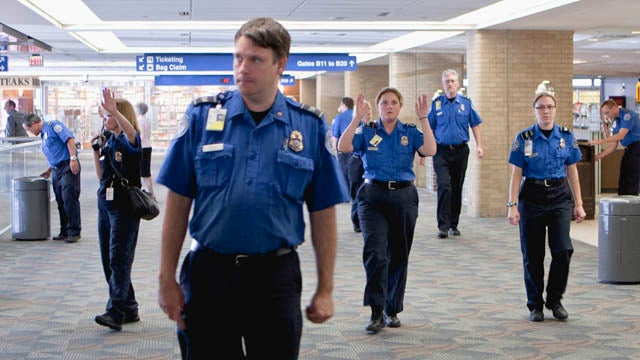 Republicans Say TSA Agents Are Impersonating Cops, Shouldn't Be Called 'Officers'