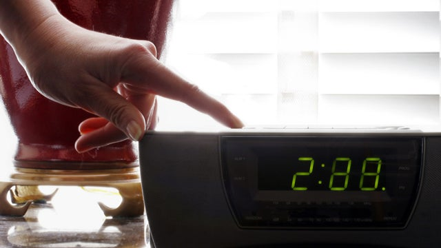 Most Americans Don't Spend Extra Daylight Saving Hour In Bed