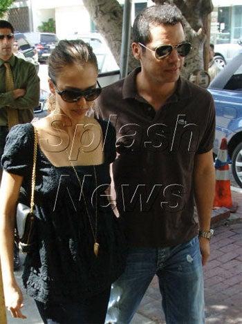 Snap Judgment: Jessica Alba & Cash Warren Still Together, Alba Still Unhappy