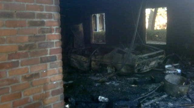 Lamborghini Espada explodes in flames
