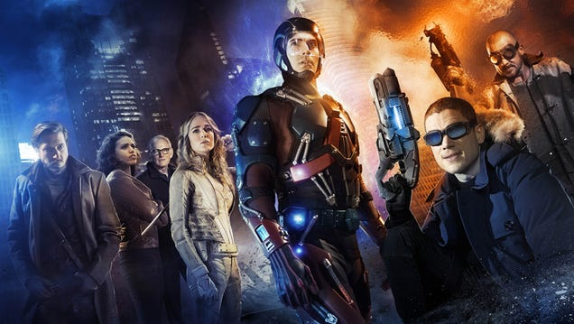 Heroes Are Revealed In The First Legends Of Tomorrow Cast Photo