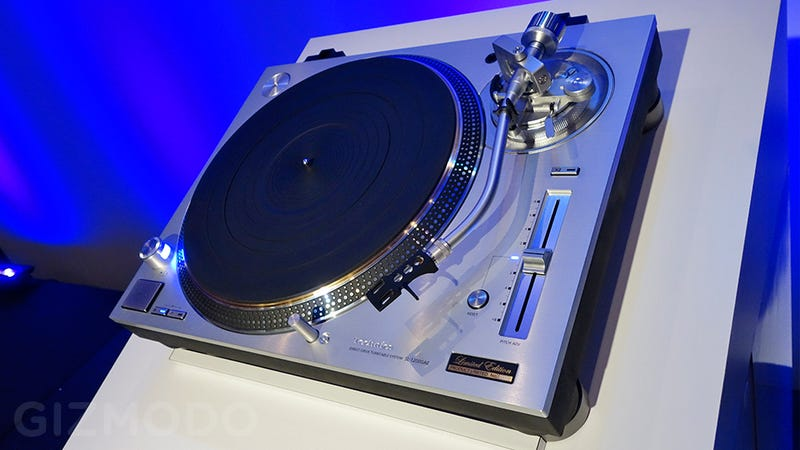 the technics 1200 turntable is back. Black Bedroom Furniture Sets. Home Design Ideas