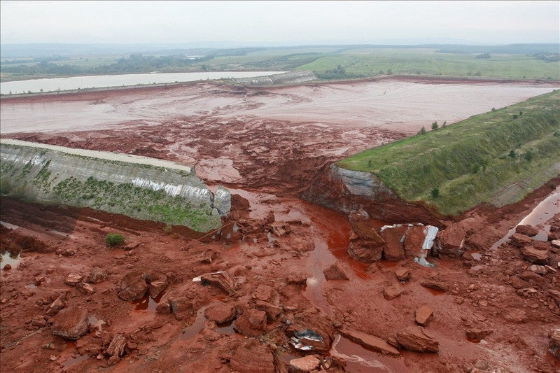 Hungary in State of Emergency After Waves of Toxic Burning Mud Pour Out of Chemical Plant