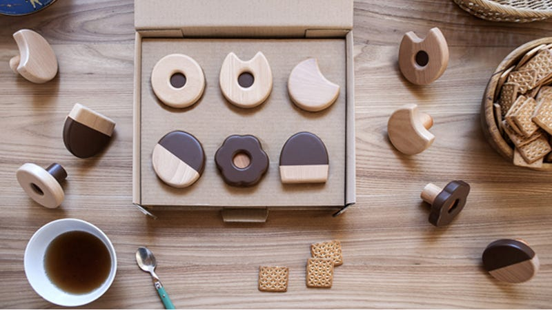 These Delicious Wall Hangers Look Just Like Cookies