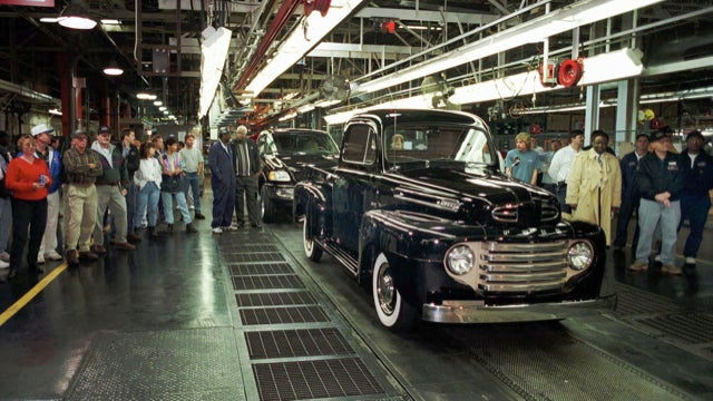 Turmoil At GM, New HP Bike At BMW, And Confidence At Chrysler