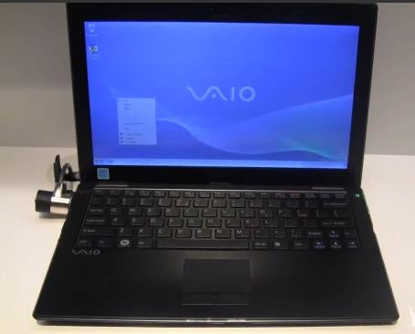 Rail-Thin Carbon Fiber Sony Vaio X Series Video and Details