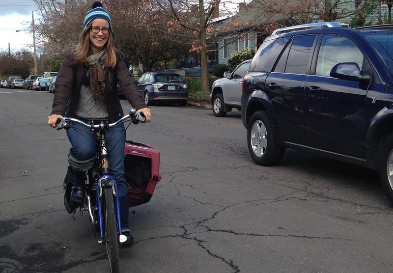 Author Elly Blue Is Here To Answer Questions About Women and Biking