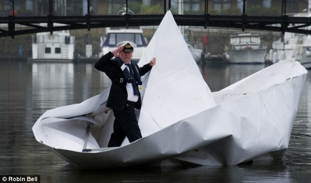 Row, Row, Row Your Paper Boat, Gently Down the London Thames...