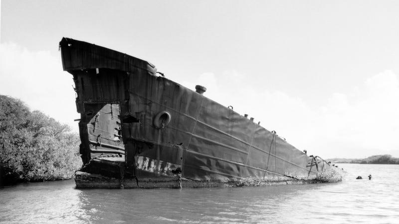 30 Beautifully Haunting Shipwrecks From Around the World