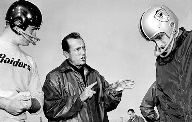 Al Davis Is Dead (Updated With Links, Video, Goodell Statement)