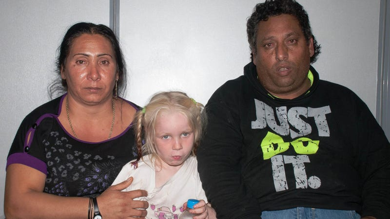 This Story of the 'Blonde Angel' Living with Roma Parents Just Sucks