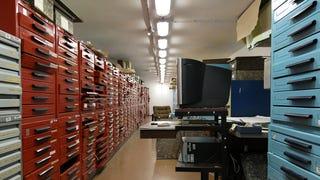 Milliárdokat érő fecnik a Széchényi könyvtár egyik eldugott sarkában