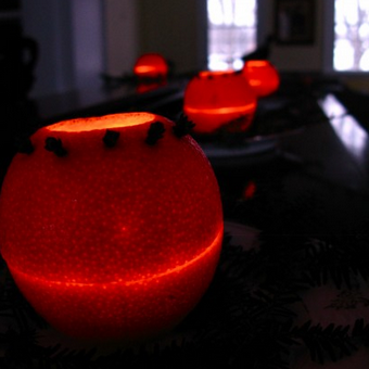 Turn an Orange into a Fragrant Candle Holder