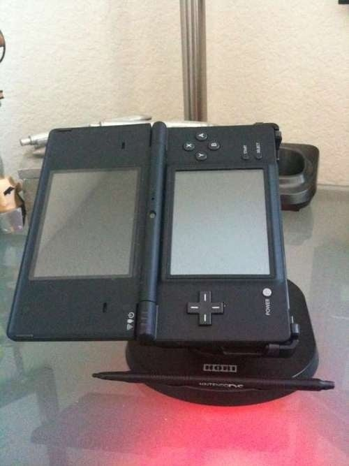 Hori's DSi Play Stand + Stylus: Why?