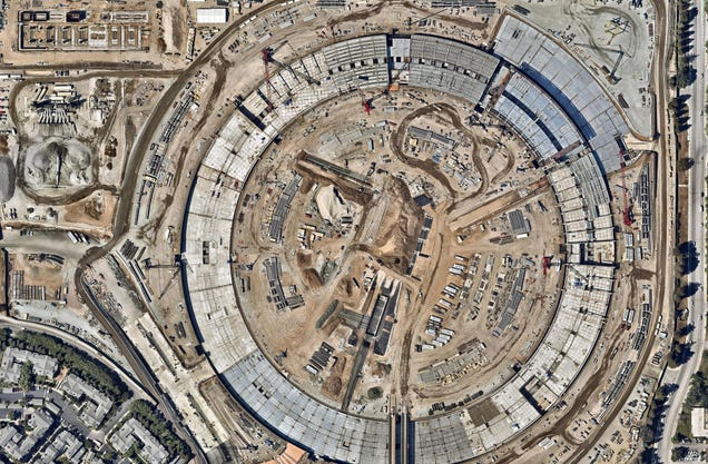 Bird's eye view time lapse shows off Apple's new spaceship campus